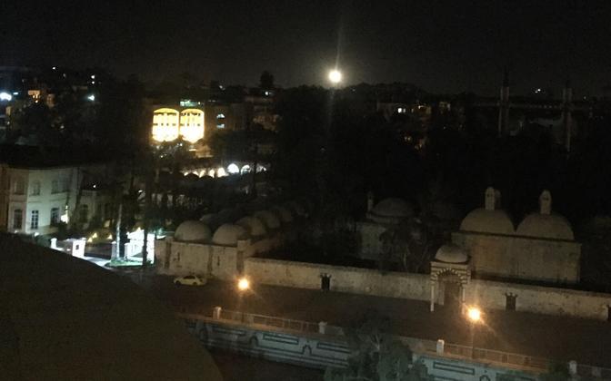 Õhutõrjerakett Damaskuse kohal.