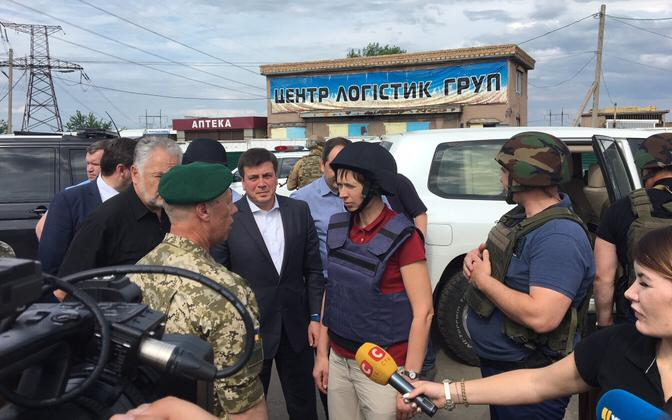 President Kersti Kaljulaid visiting the conflict zone in Eastern Ukraine in May 2018.