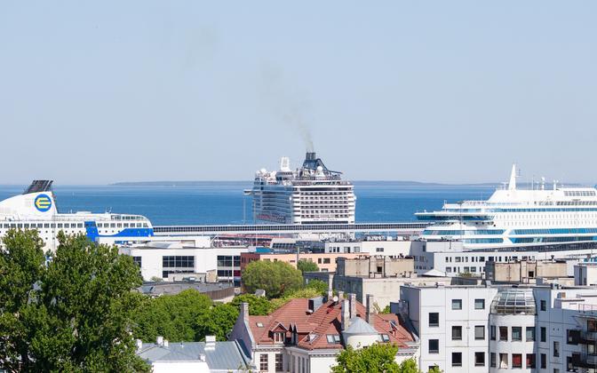 В основном иностранные туристы посещают Таллинн.