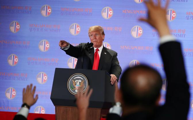 USA president Donald Trump Singapuris pressikonverentsil.