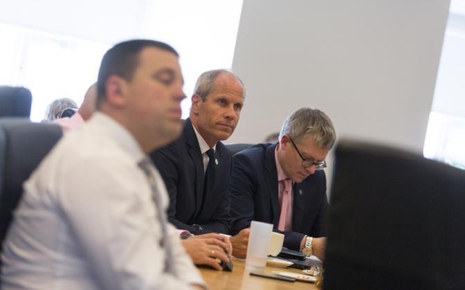 Jüri Ratas, Toomas Tõniste, Janek Mäggi valitsuse istungil.