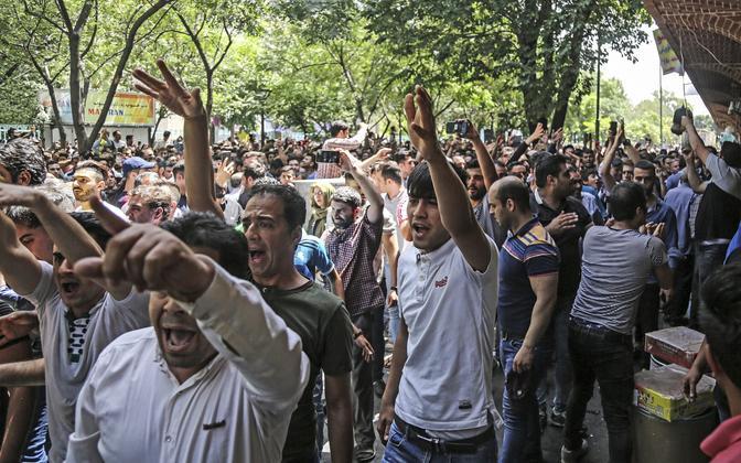 Meeleavaldajad Teheranis 25. juunil.