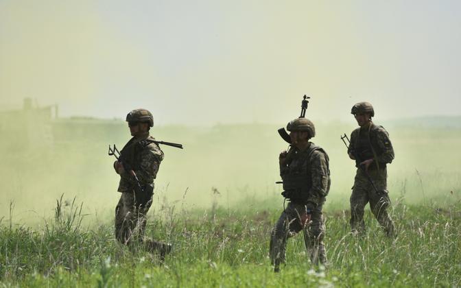Ukraina sõdurid Lvivi lähistel õppusel, arhiivifoto.