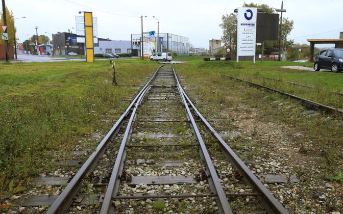 Tartu sadamaraudtee Turu tänaval Kuusakoski juures
