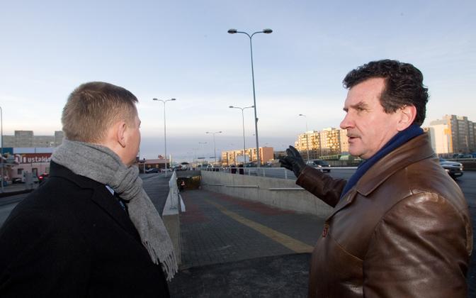 Toivo Moorast (right) with new TLT CEO Deniss Boroditš (left).