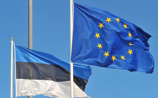 Flag of the European Union and related institutions next to the Estonian flag.