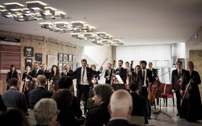 Tallinna Kammerorkester Muusikapäeval Välisministeeriumis kontserti andmas.