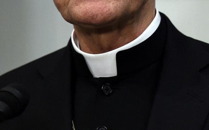 Katoliku preester.