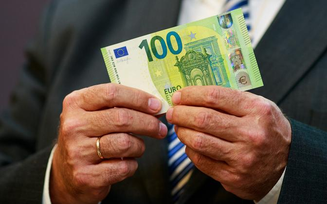 €100 bill.