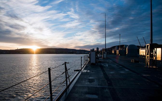 USA sõjalaev USS Mount Whitney Trondheimi lähistel NATO õppuse ajal.