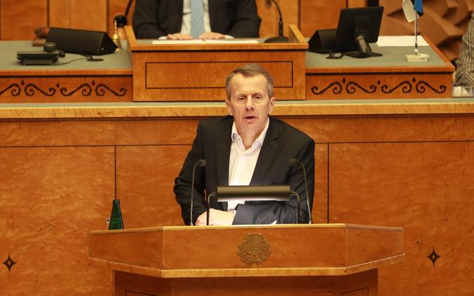 MP Jürgen Ligi (Reform) speaking before the Riigikogu.