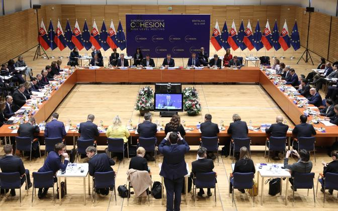 Prime Minister Jüri Ratas (Centre) and other heads of government at the EU Friends of Cohesion high level meeting in Bratislava on Thursday. 29 December 2018.