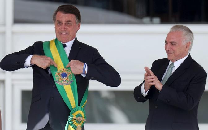 Brasiilia president Jair Bolsonaro (vasakul) ja eelmine president Michel Temer.
