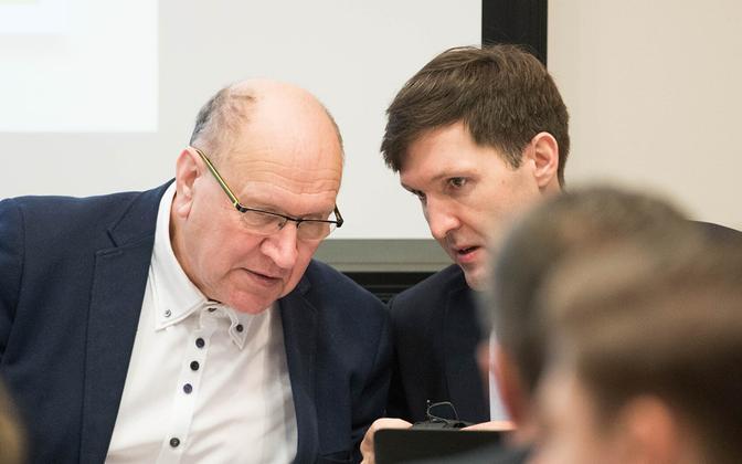 Mart ja Martin Helme EKRE volikogul.