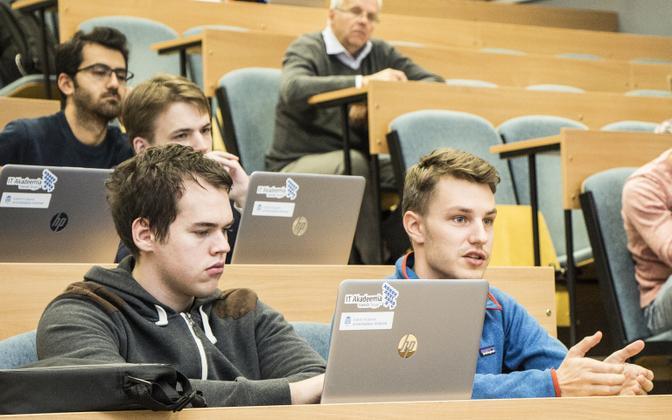 Loengutest võivad saada videoloenegud, seminaridest veebiseminarid.