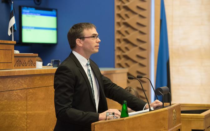 Minister of Foreign Affairs Sven Mikser (SDE) addressing the Riigikogu on Tuesday. 12 February 2019.