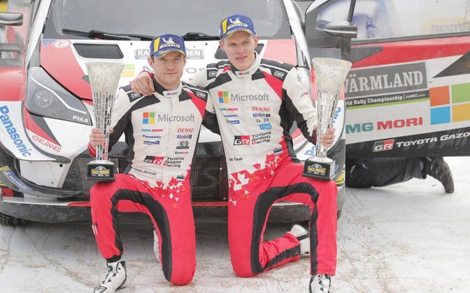 Ott Tänak (right) and co-driver Martin Järveoja after winning 2019's Rally Sweden.