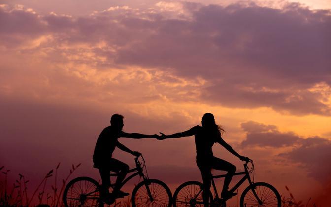 Eelmisel aastal teeniti USA-s romantikaloitsu abil nõiutute käest juba 143 miljonit.