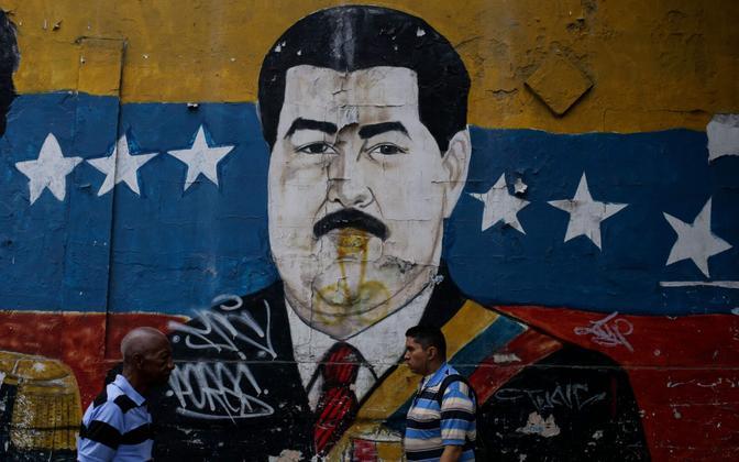 Venezuela presidendi Nicolas Maduro pilt Caracase tänaval.