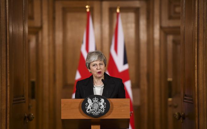 Peaminister May kolmapäeva õhtul avaldust tegemas.
