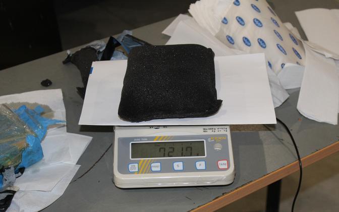 Cocaine seized at Jäärja being weighed.