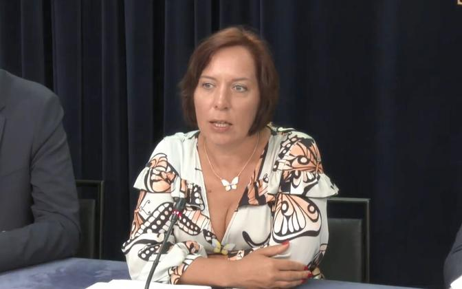 Education minister Mailis Reps (Centre).
