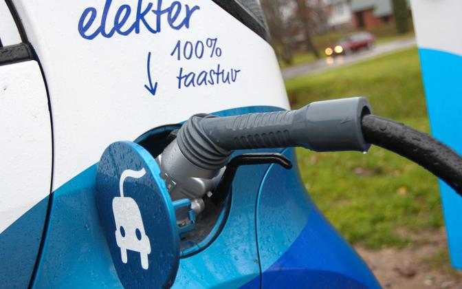 Electric vehicle during charging (picture is illustrative).