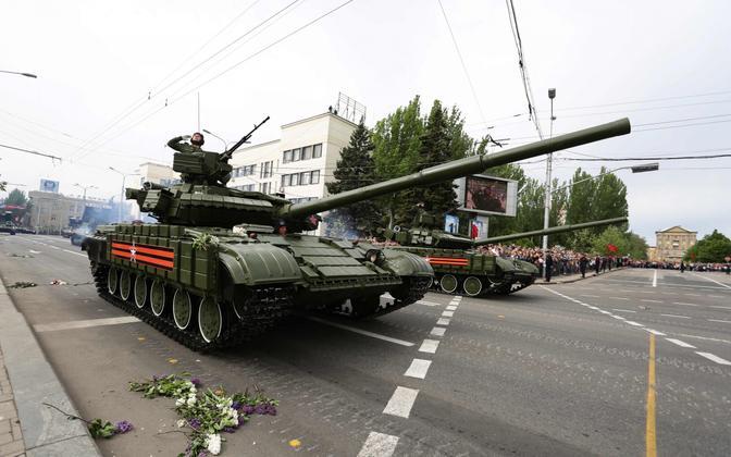 Paraad Kremli-meelsete poolt kontrollitud Donetskis.