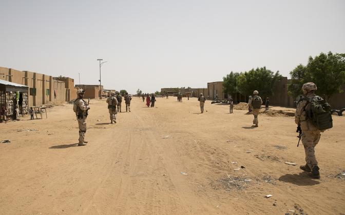 EDF personnel patrolling the Malian city of Gao. ESTPLA-32 is the platoon currently stationed there.