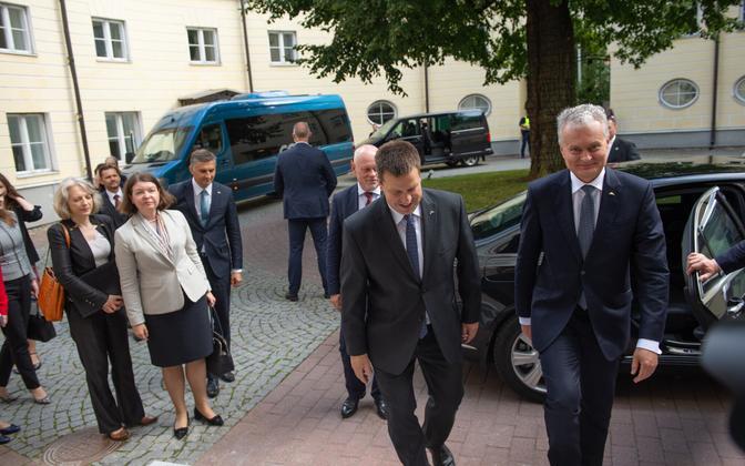 Lithuanian President Gitanas Nausėda arriving at Stenbock House, Aug. 20, 2019.