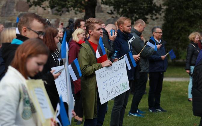 Hirveparki kogunesid Ratase valitsuse vastased.