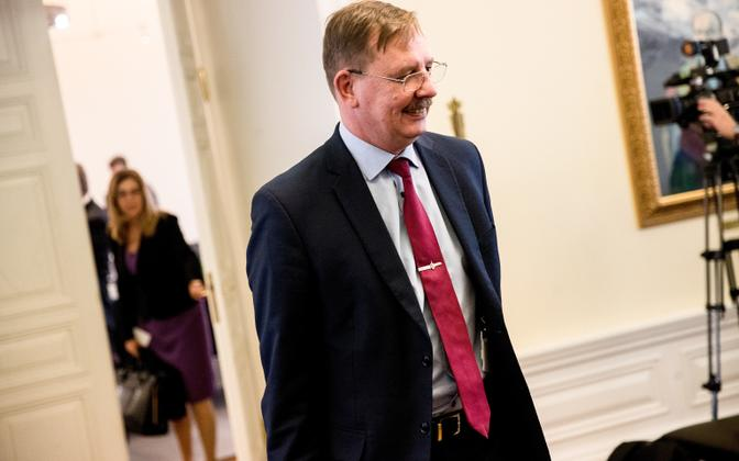 Minister of Economic Affairs Taavi Aas (Centre).