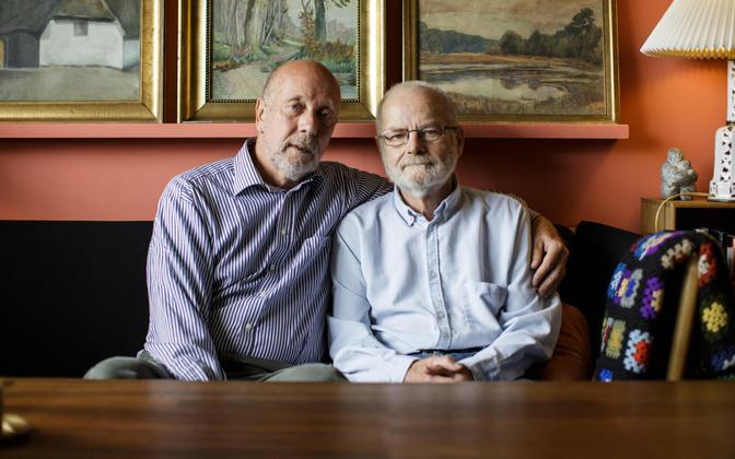 Geipaar Taanis, mis oli esimene riik maailmas, kus seadustati 1989. aastal samasooliste registreeritud kooselu.