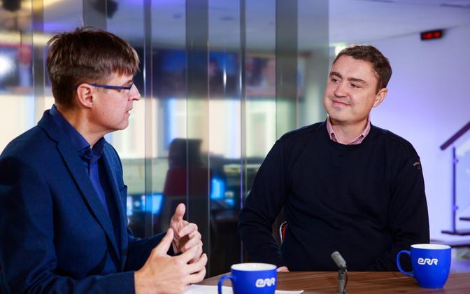 Taavi Rõivas (right) on the Otse uudistemajast program