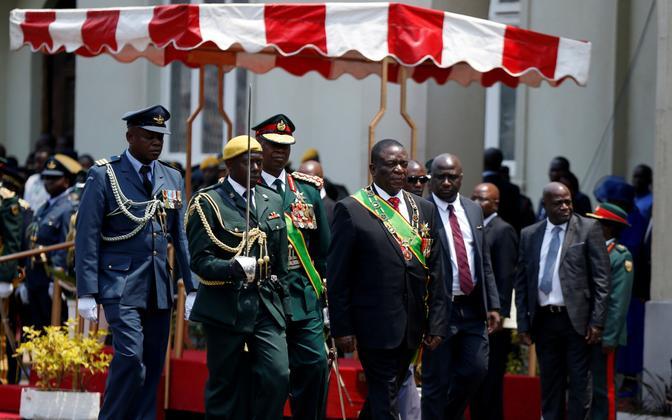 Zimbabwe president Emmerson Mnangagwa ametitseremoonial.