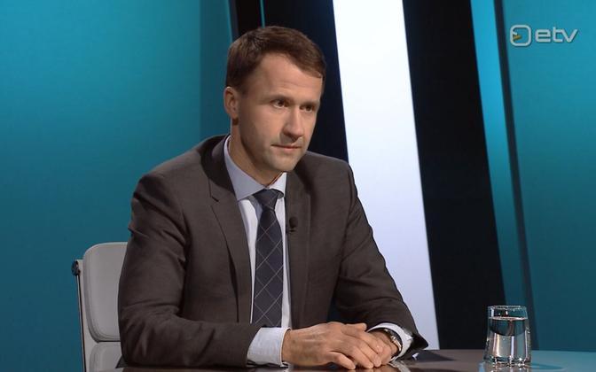 Elektrilevi chief Jaanus Tiisvend appearing on Esimene stuudio Thursday evening.