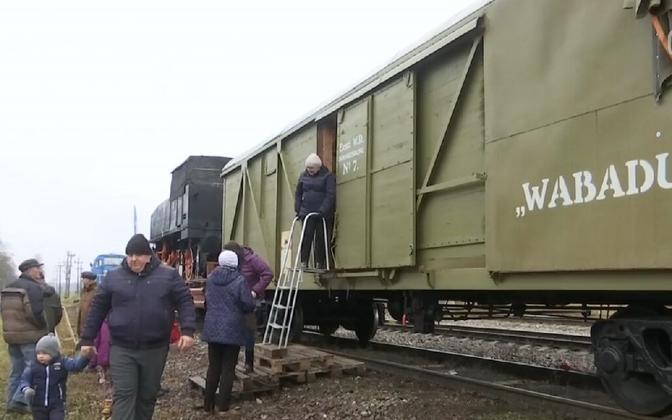 The armoed train Wabadus has reached Ida-Viru County.