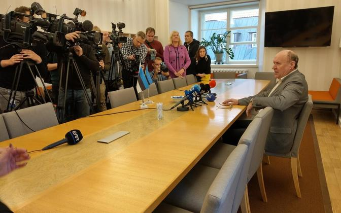 Mart Helme at a Ministry of the Interior press conference