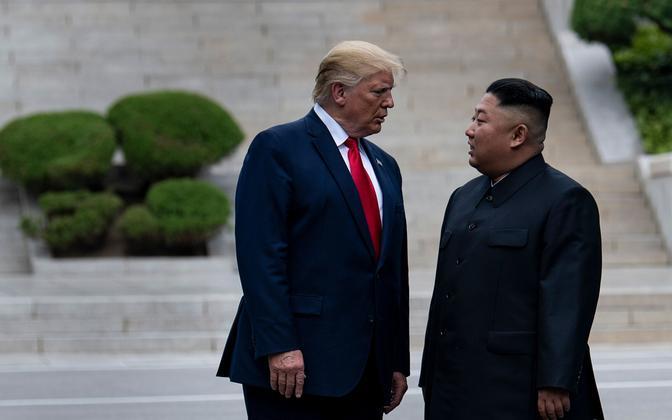 Donald Trump ja Kim Jong-un 30. juunil Panmunjomi piirikülas.