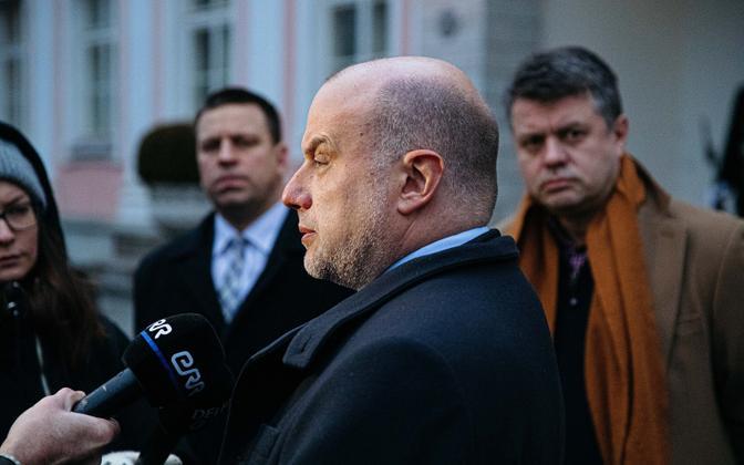 Prime Minister Jüri Ratas, Minister of Foreign Affairs Urmas Reinsalu, and Minister of Defence Jüri Luik at Kadriorg.