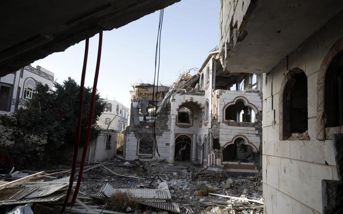 Õhurünnaku tagajärjed Jeemeni pealinnas Sanaas.
