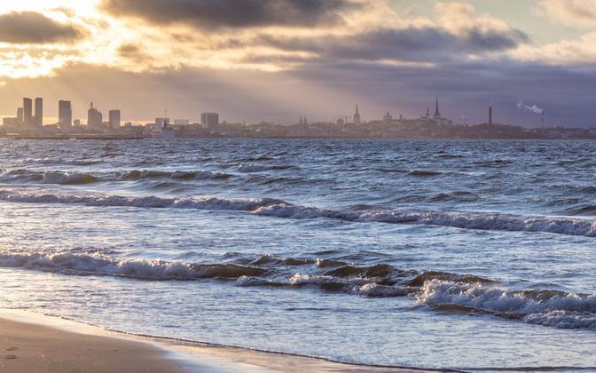 Pirita and the Tallinn skyline.