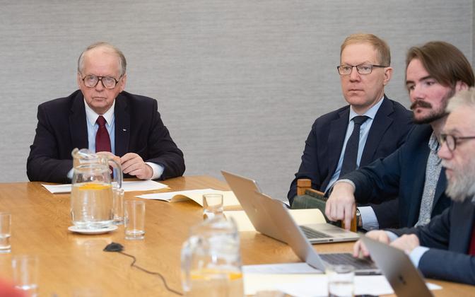 Riigikogu väliskomisjoni esimees Enn Eesmaa (vasakul) ja aseesimees Marko Mihkelson (paremal).
