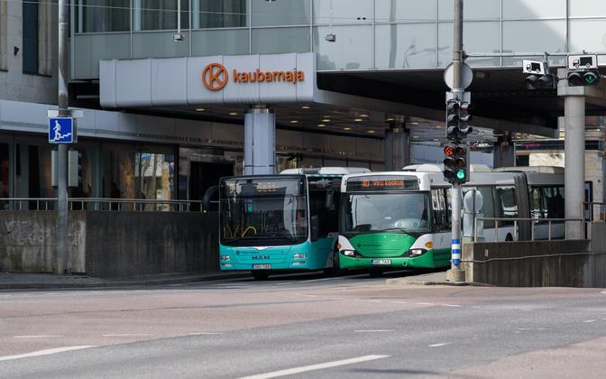 Tallinna linnaliinibussid kesklinnas. I