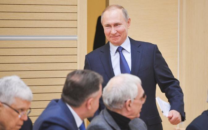 Vladimir Putin kohtumas põhiseaduskomisjoni liikmetega