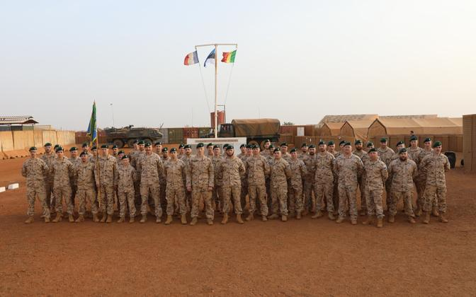 Estpla-34 personnel in Mali, on Estonian Independence Day.