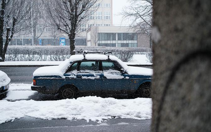 Snowfall in central Tallinn on Wednesday.