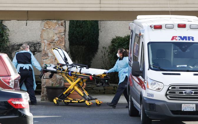 Meditsiinitöötajad Washingtoni osariigis Kirklandis.