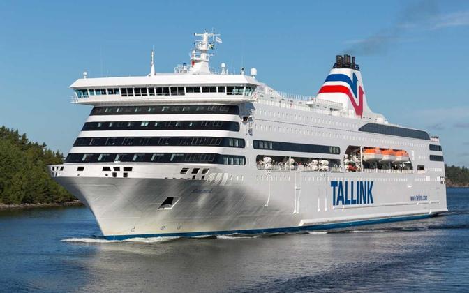 A Tallink ferry.