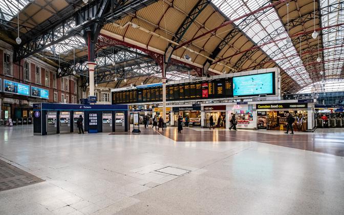Victoria raudteejaam Londonis teisipäeva hommikul.